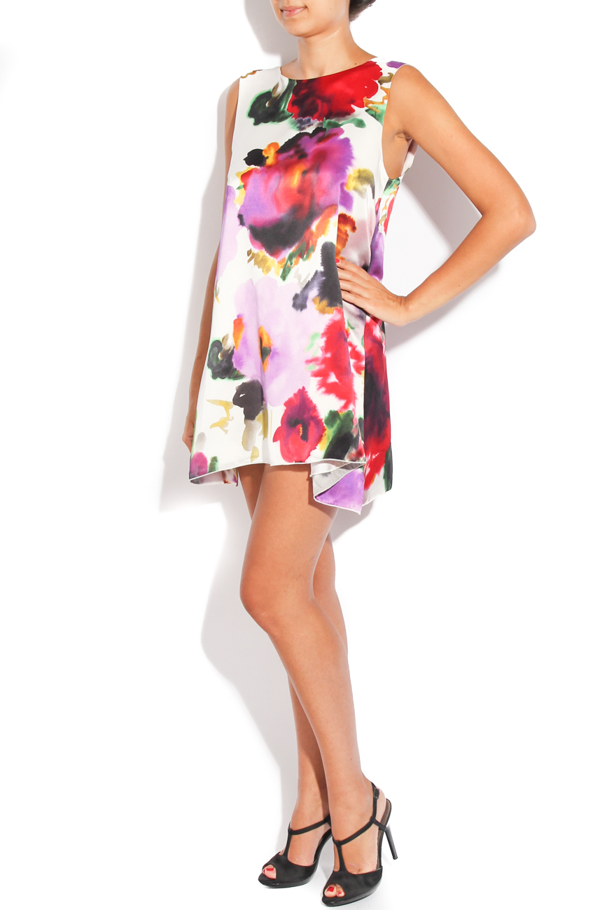 Dress with printed flowers on white background Diana Bobar image 1