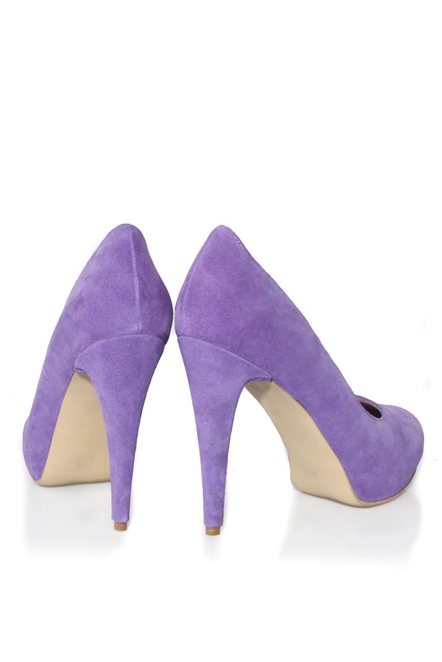 Purple shoes Ana Kaloni image 2