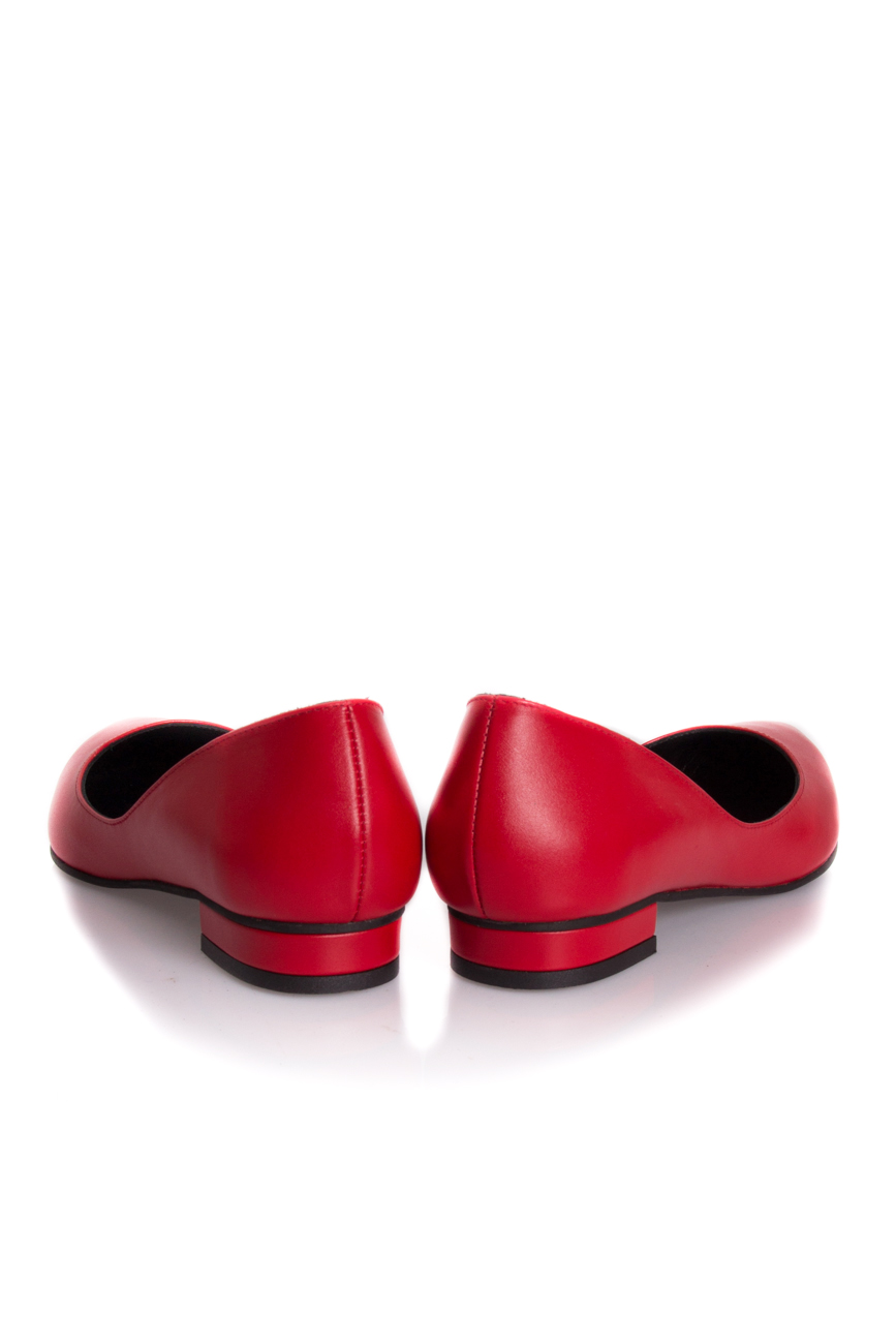 Red flats Mihaela Glavan  image 2