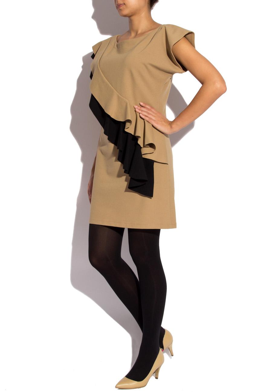 Robe beige avec volants noirs Laura Ciobanu image 1