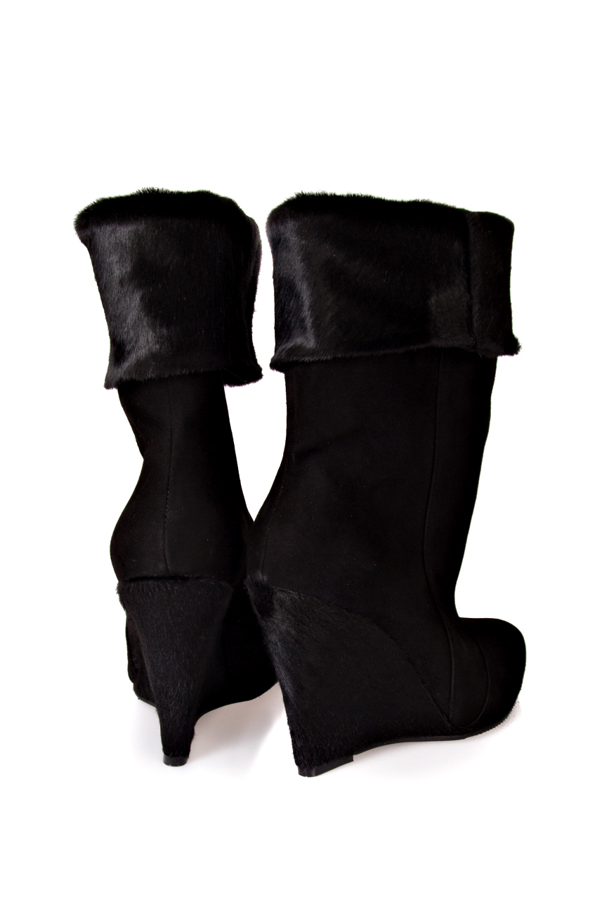 Black pony boots Ana Kaloni image 2