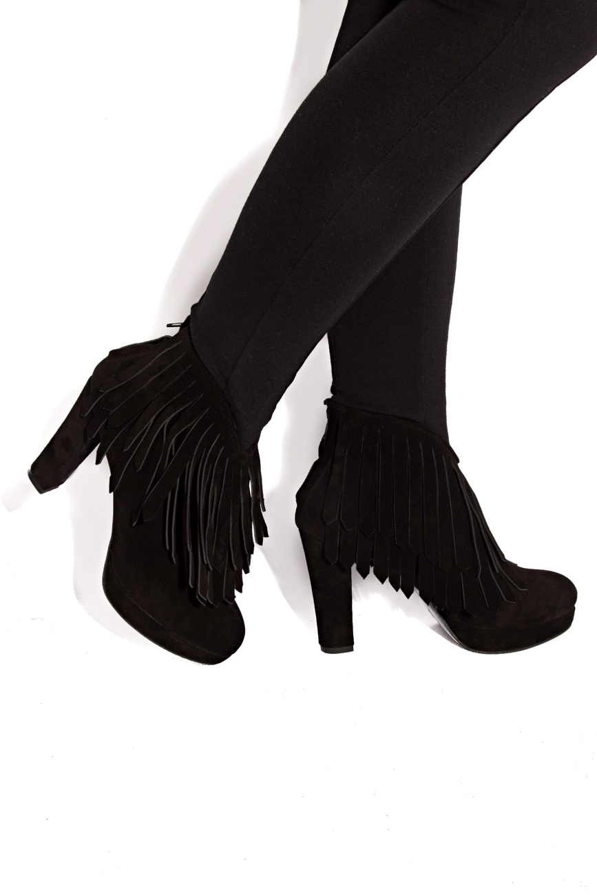 Ankle boots with fringes Ana Kaloni image 3