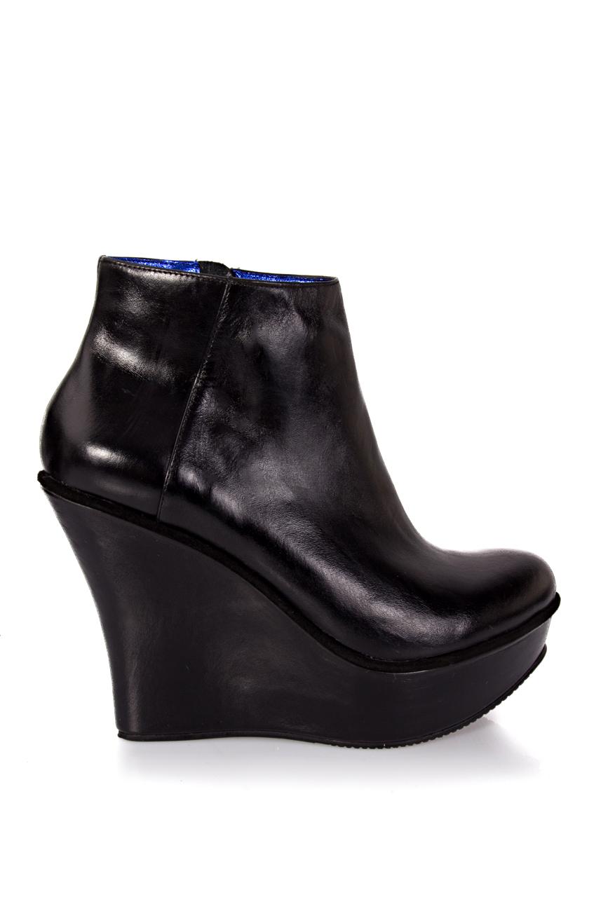 Black boots with platform Ana Kaloni image 1