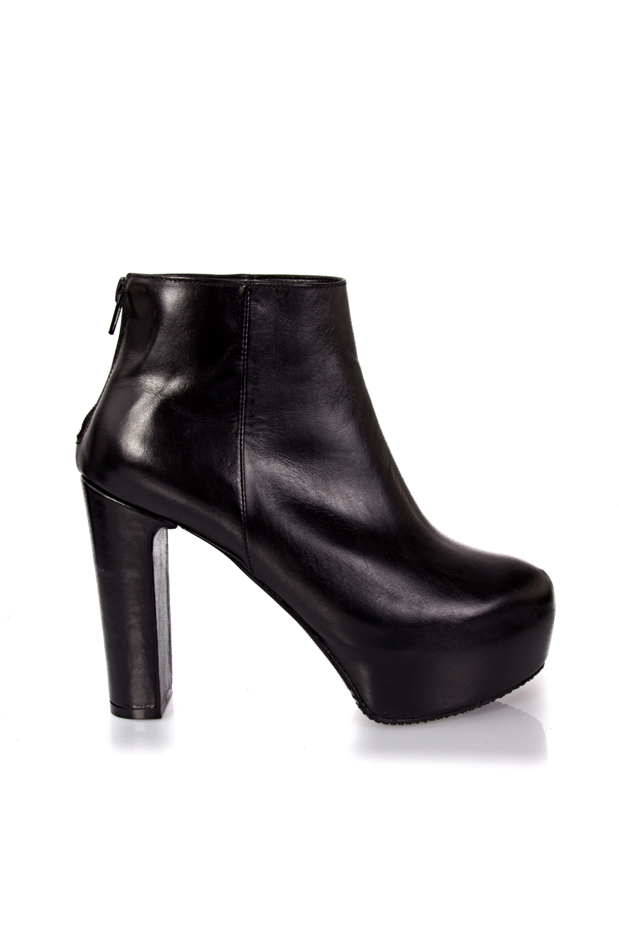 Boots with thick heel Ana Kaloni image 1