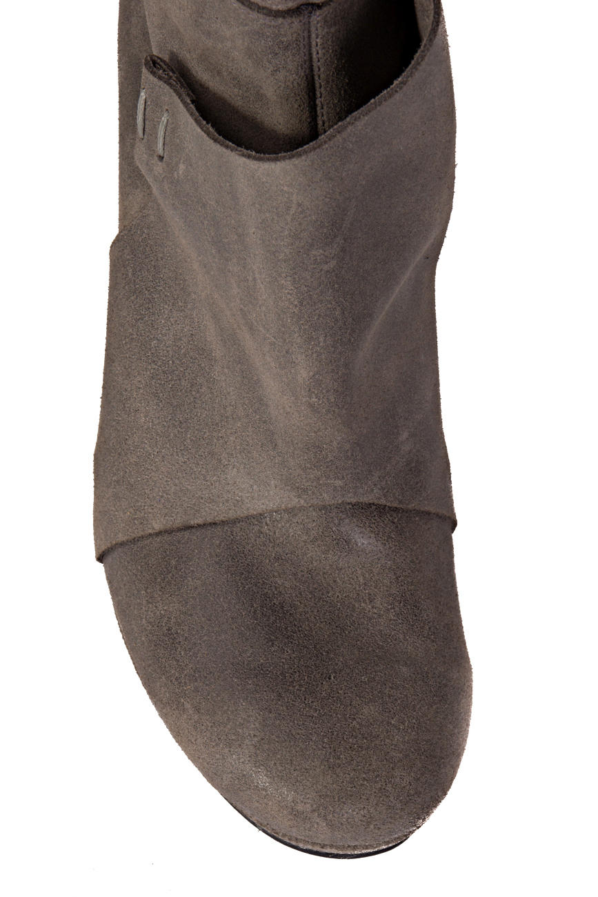 Grey boots Mihaela Glavan  image 3