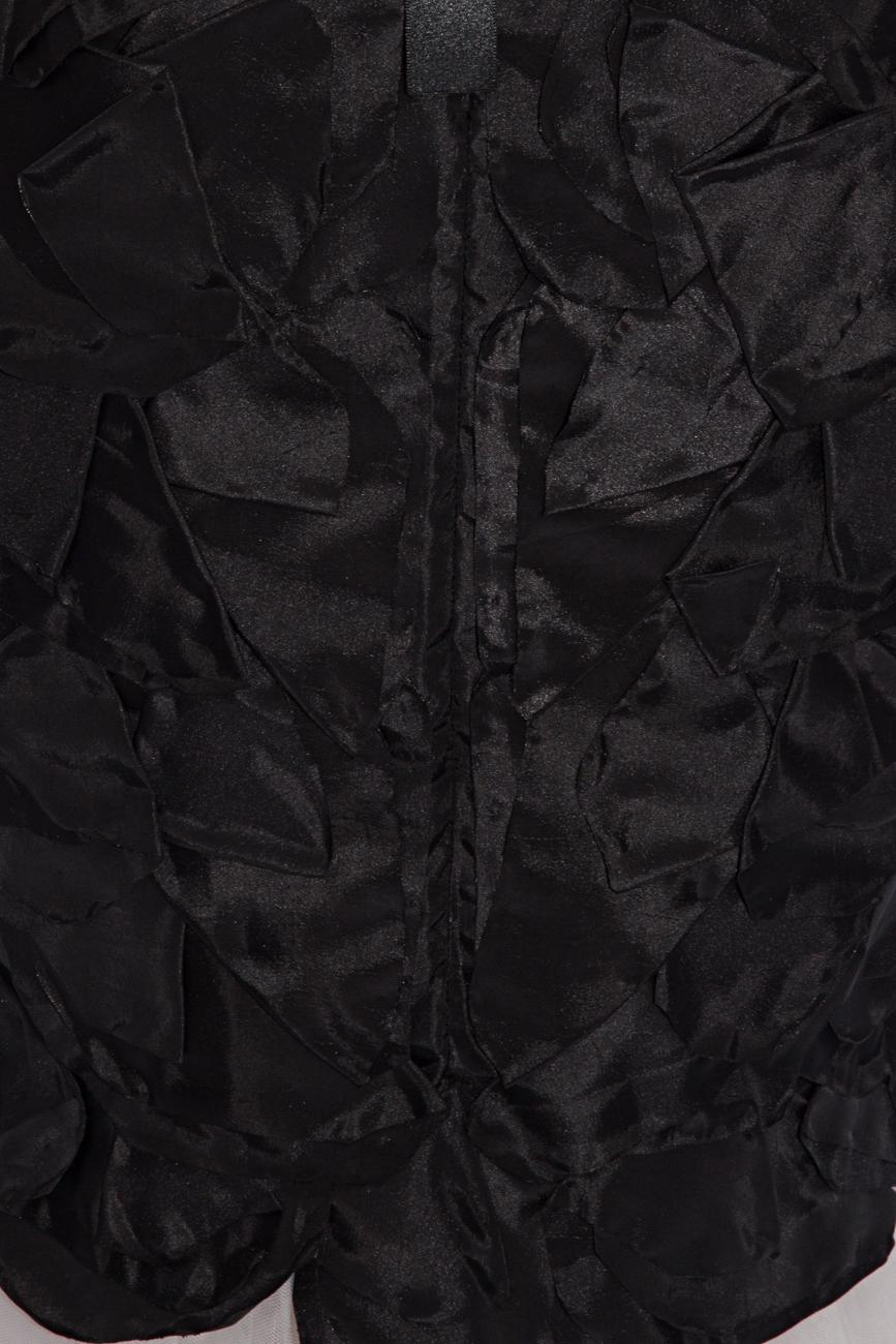 Rochie cu petale negre Cristina Staicu imagine 3