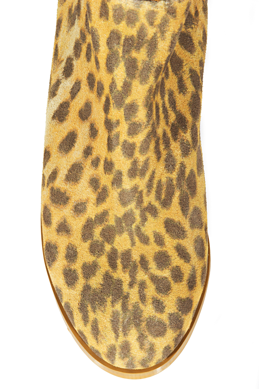 Over-the-knee leopard boots Ana Kaloni image 3