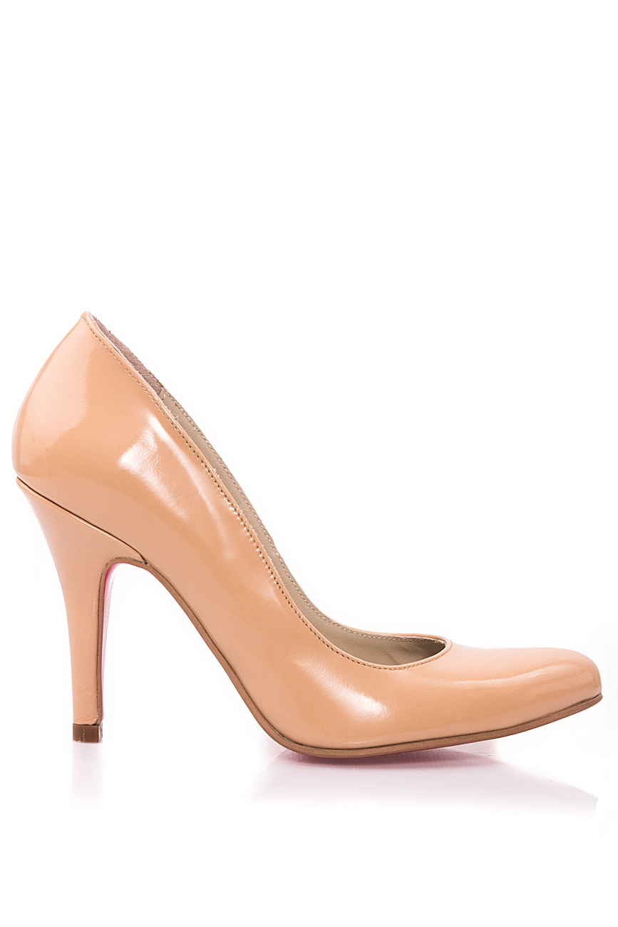 Lacquered beige shoes Mono Shoes by Dumitru Mihaica image 0