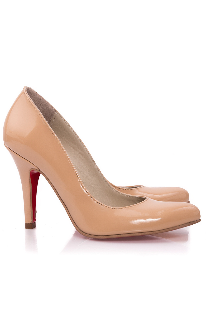 Lacquered beige shoes Mono Shoes by Dumitru Mihaica image 1