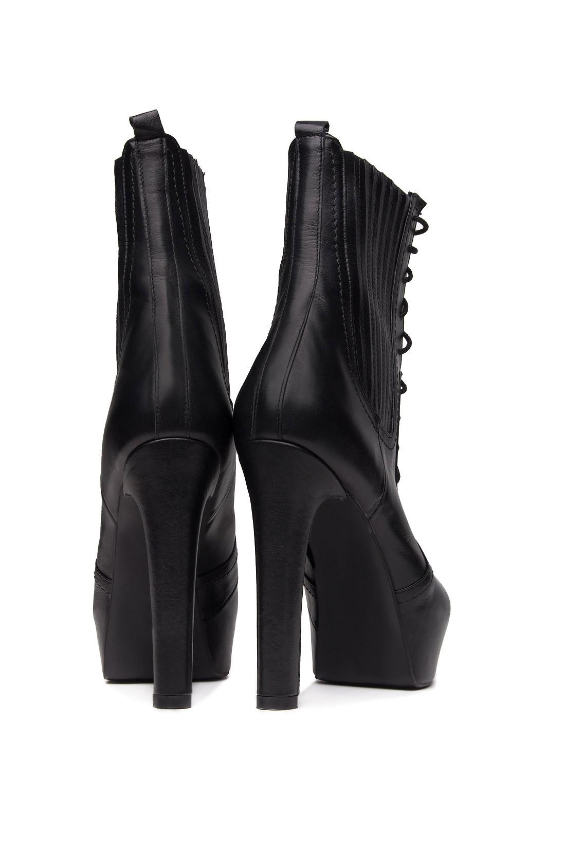 Boots with platform Ana Kaloni image 2