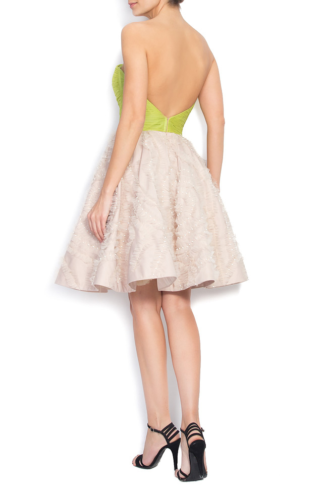 Rochie cu spatele gol din matase si aplicatii cusute manual Nicole Enea imagine 2