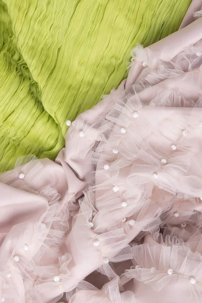 Rochie cu spatele gol din matase si aplicatii cusute manual Nicole Enea imagine 3