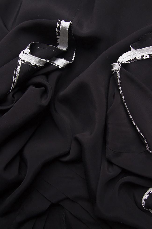 Bluza neagra din jerse cu maneci lasate Lena Criveanu imagine 3