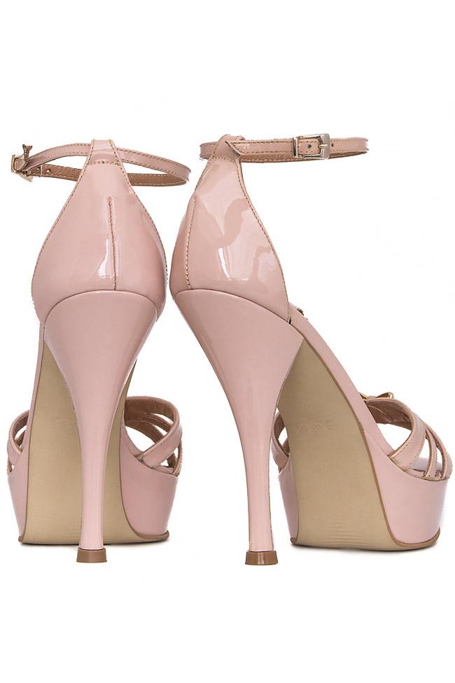 Bow-embellished patent-leather sandals Mihai Albu image 2