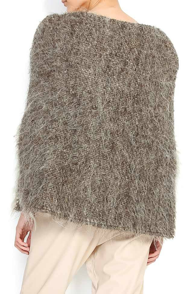 Capa lucrata manual din lana de oaie cu ciucuri din piele ANICA Nicoleta Obis imagine 2