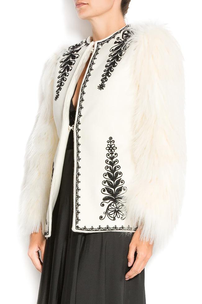 Sacou brodat manual din lana si blana ecologica JIANCA Dorin Negrau imagine 2