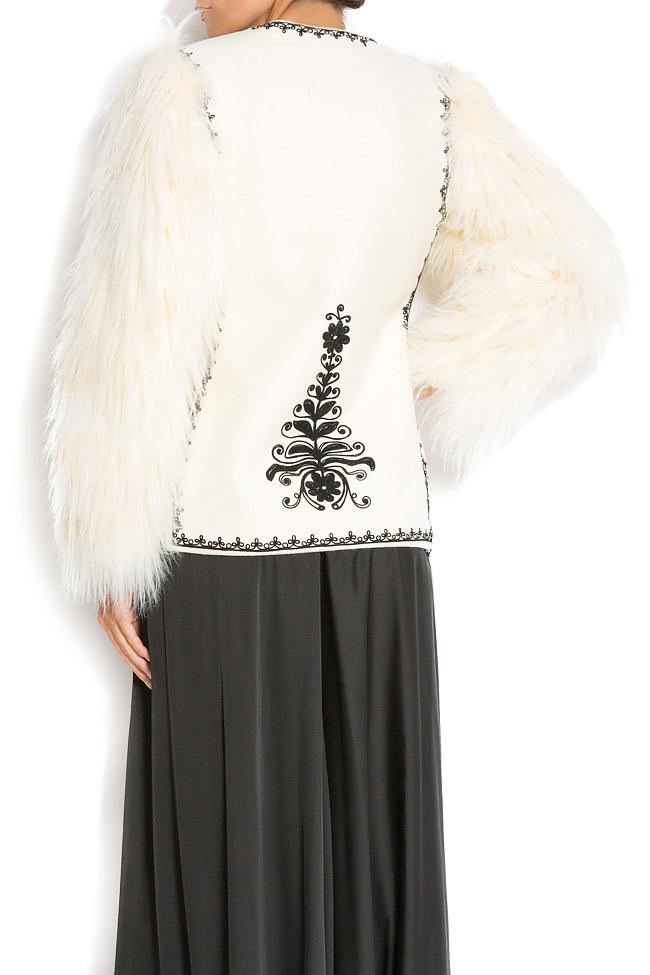Sacou brodat manual din lana si blana ecologica JIANCA Dorin Negrau imagine 3