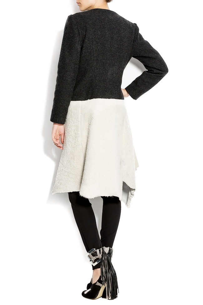 Embroidered wool coat with fur insertion Izabela Mandoiu image 2
