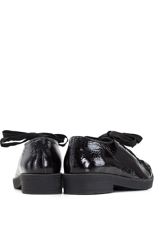 Pantofi din piele lacuita Zenon imagine 2