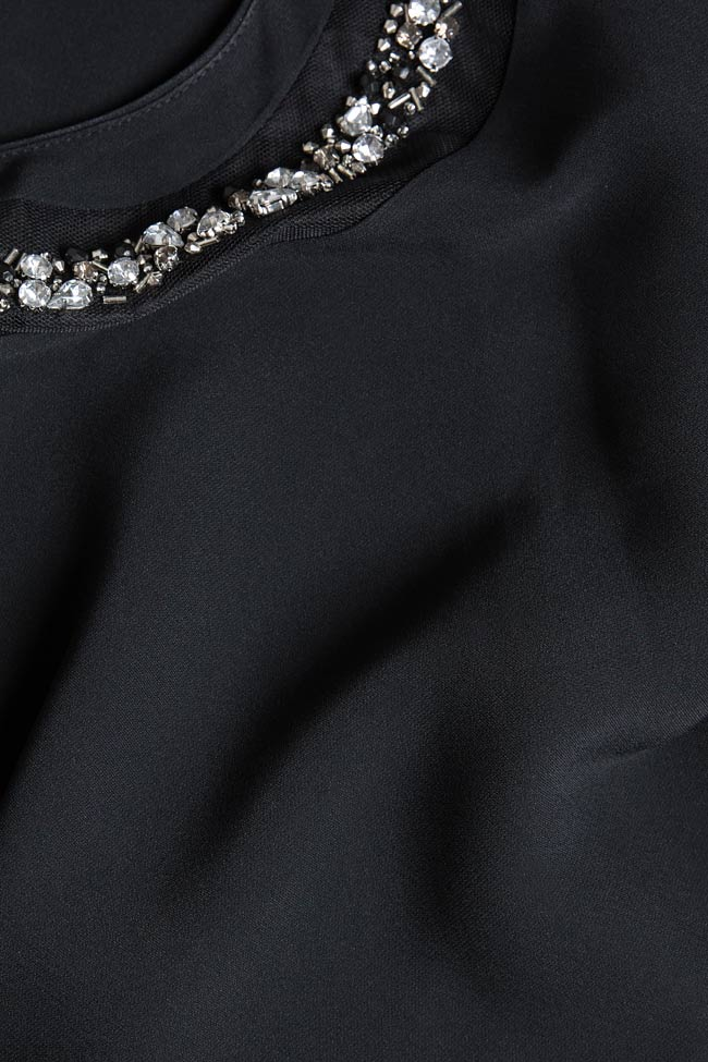 Bluza cu decupaje din crep si aplicatii brodate manual Lena Criveanu imagine 4