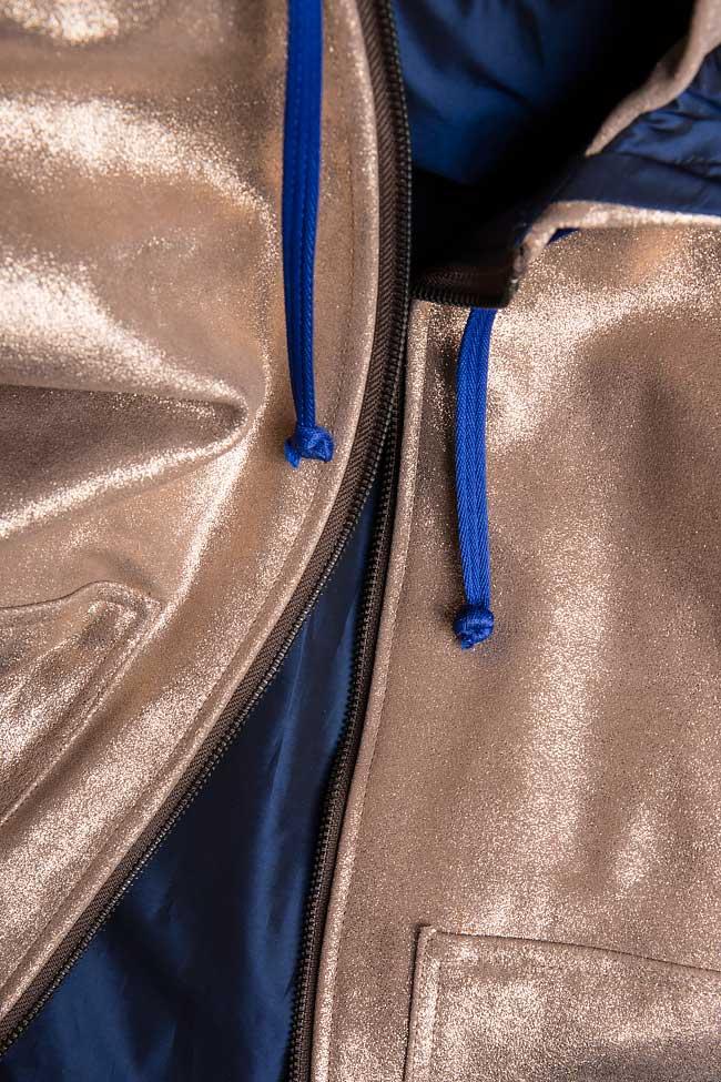 Jacheta cu gluga supradimensionata din piele metalizata  A03 imagine 4