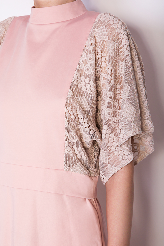 Robe en coton, avec insertions en dentelle BLUZAT image 3