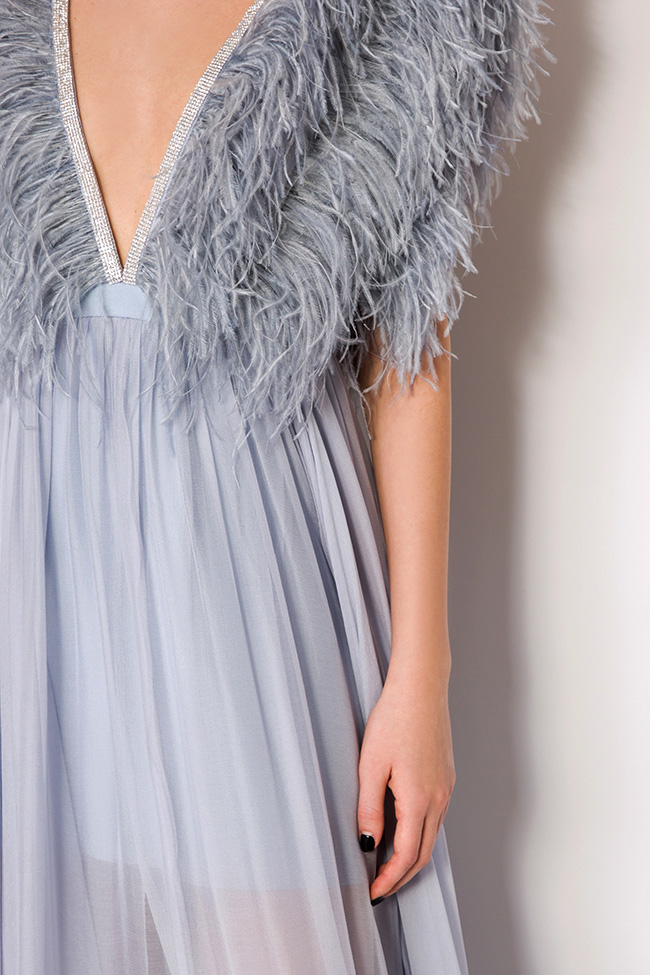 Feathered-trimmed silk gown Manuri image 3
