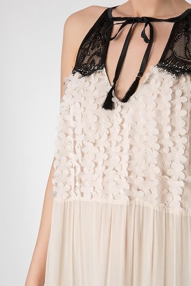 Robe en soie avec insertions de dentelle et broderies Elena Perseil image 3