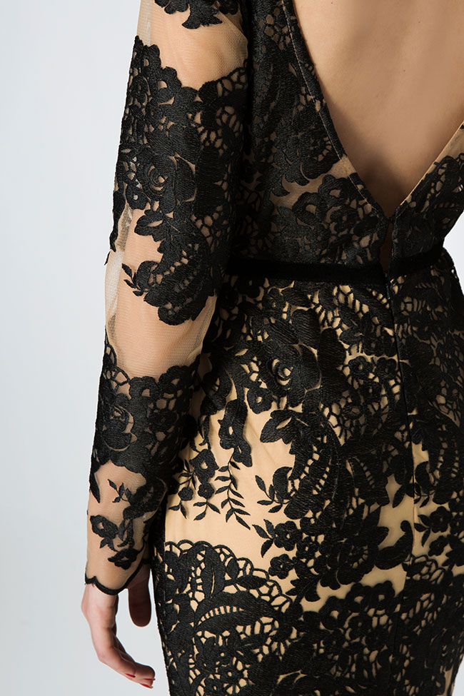 Embroidered tulle lace gown Bien Savvy image 3