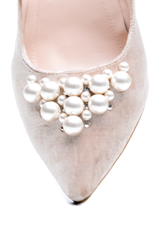 Pantofi din piele si catifea ornati cu perle  Ana Kaloni imagine 3