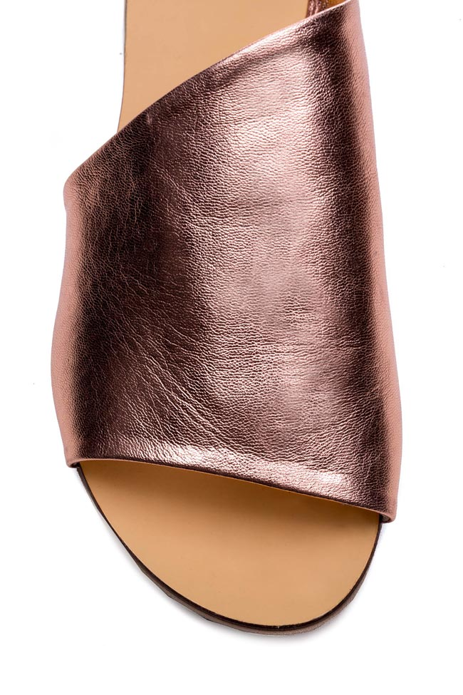 Mules en cuir métallisé  Mihaela Gheorghe image 3