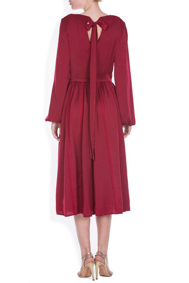 Lace-trimmed satin midi dress BLUZAT image 2