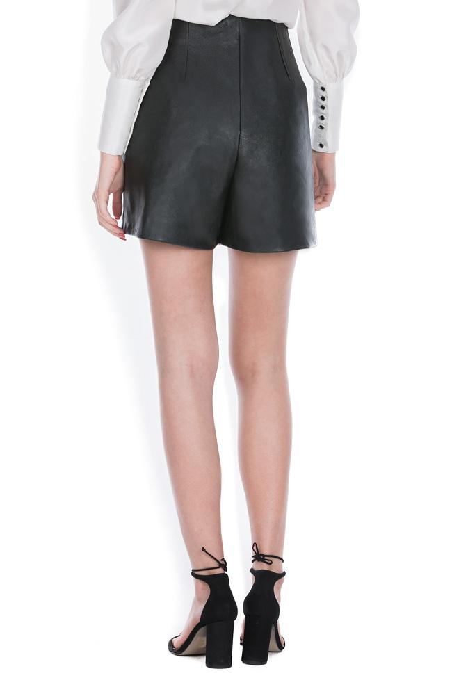 Pantaloni scurti din piele naturala Zenon imagine 2