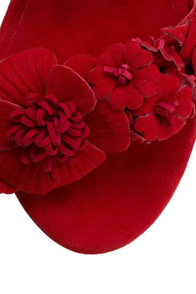 Sandale din piele intoarsa cu aplicatii florale Ginissima imagine 3
