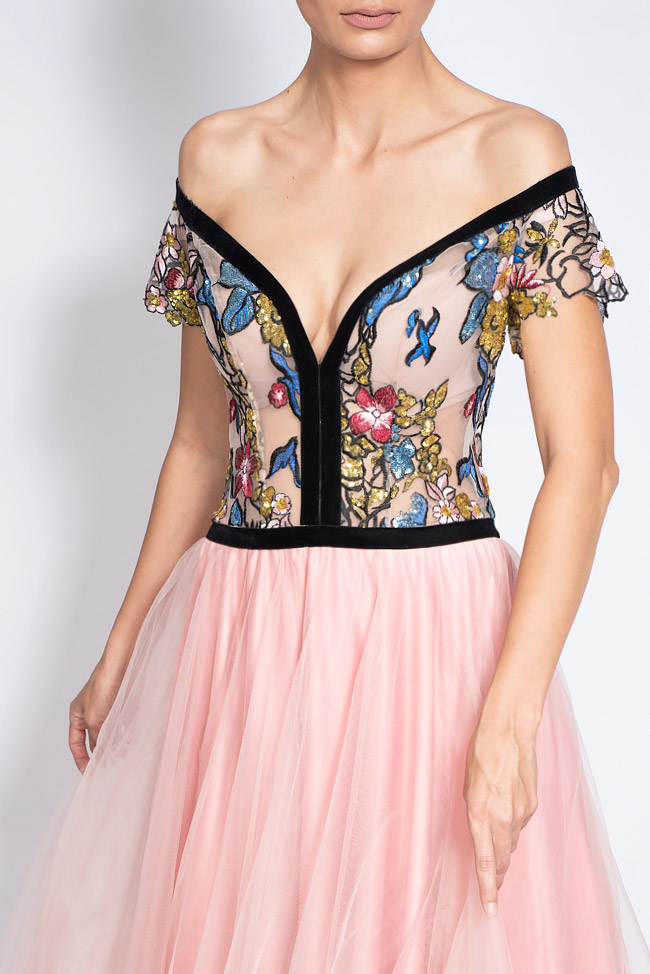 Off-the-shoulder embroidered tulle and taffeta gown Bien Savvy image 3