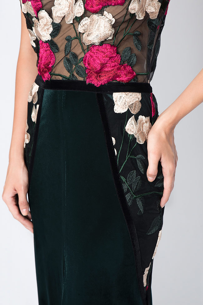 Embroidered silk velvet and lace gown Bien Savvy image 3