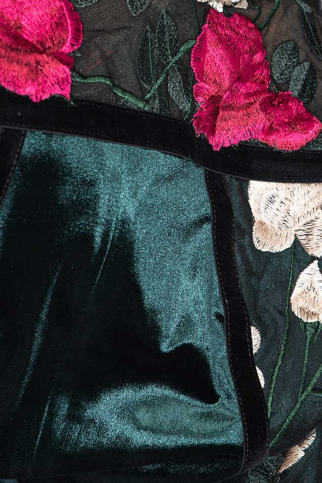 Embroidered silk velvet and lace gown Bien Savvy image 4