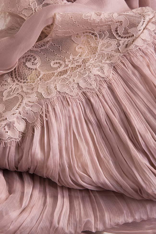 Rochie din matase muselina cu insertii din dantela Chantilly Sarah Maia Ratiu imagine 4