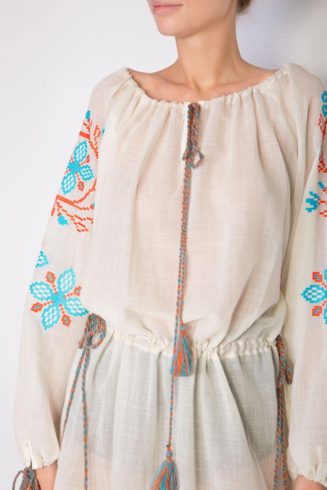 Robe en voile de laine brodée avec fil de soie Spiral Flower Maressia image 3