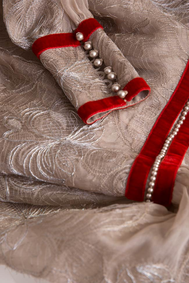 Robe en organza de soie brodée avec dentelle et cristaux Cosmina Englizian image 4