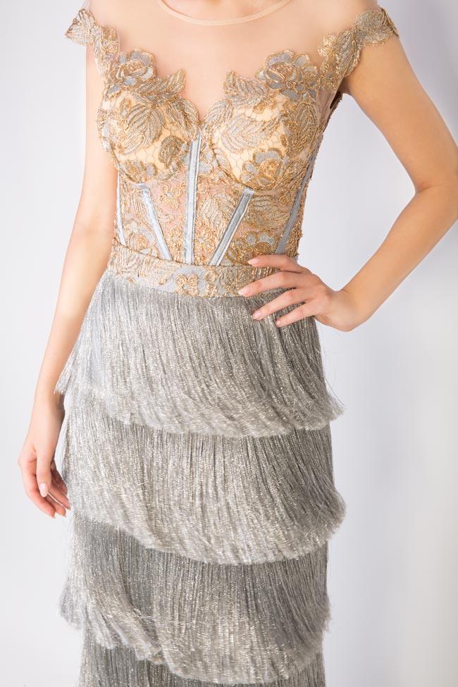Ensemble brodé avec fil de lamé et jupe avec franges métallisées Mariana Ciceu image 3