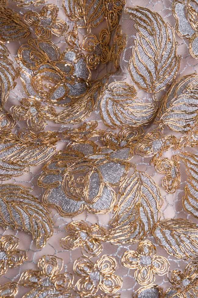 Ensemble brodé avec fil de lamé et jupe avec franges métallisées Mariana Ciceu image 4