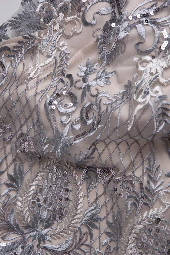 Ensemble en tulle brodé avec fil de lamé et franges métalliques Valentine  Mariana Ciceu image 4