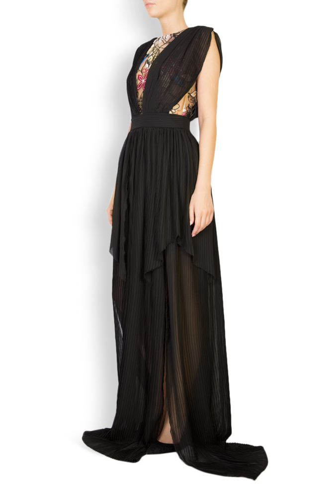 Koty embroidered pleated veil gown Style Up image 1