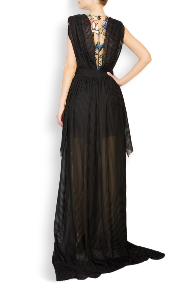 Koty embroidered pleated veil gown Style Up image 2