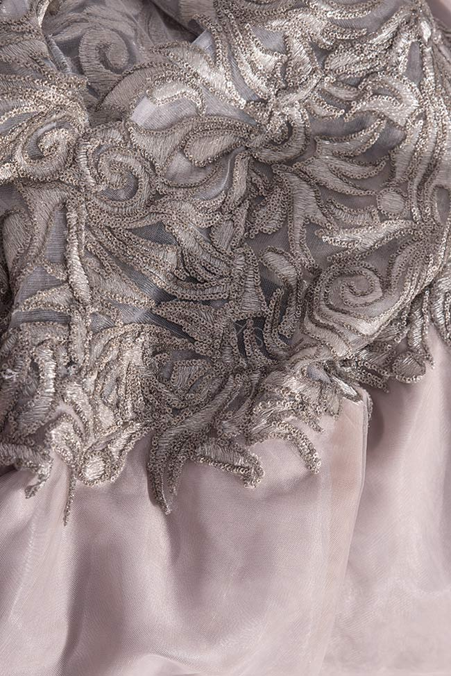 Silver sequined appliquéd tulle gown Bien Savvy image 4