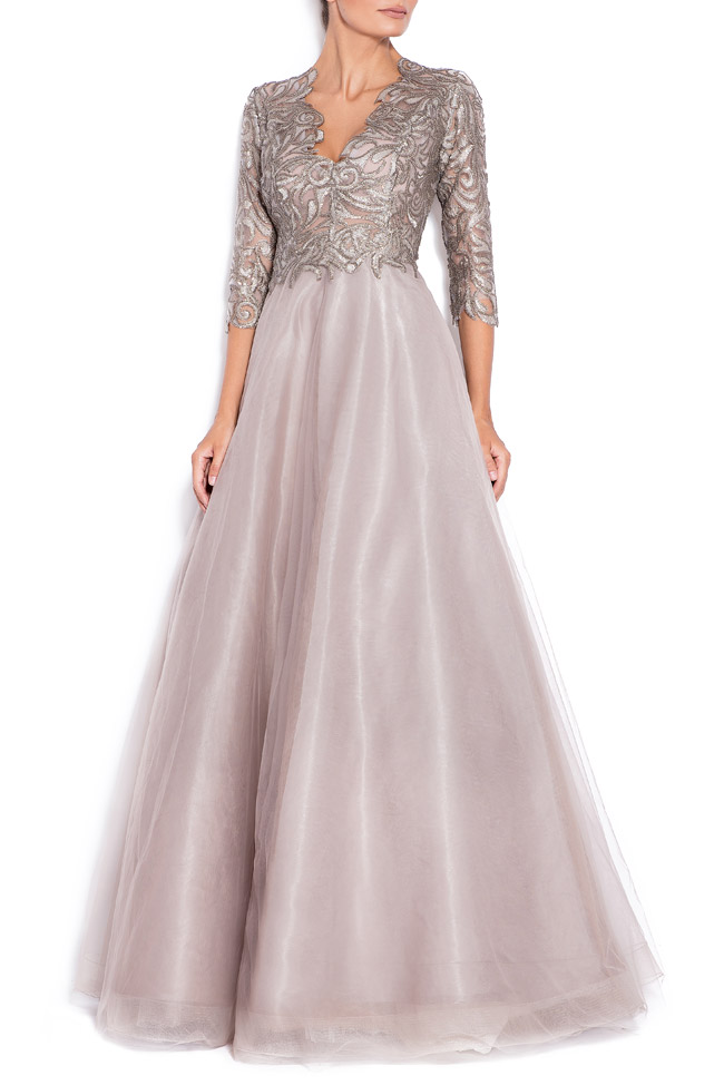 Silver sequined appliquéd tulle gown Bien Savvy image 0