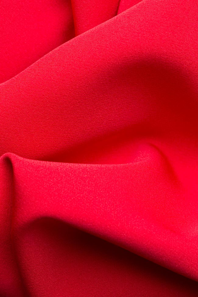 Robe en crêpe avec les épaules dénudées et volants Couture de Marie image 4