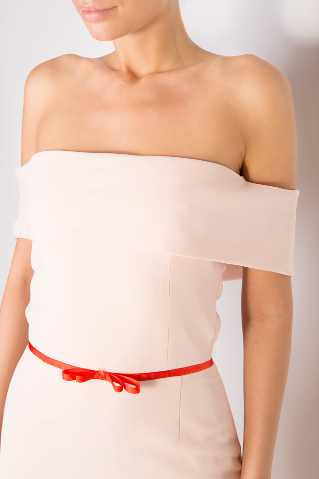 Ruffled off-the-shoulder crepe dress Couture de Marie image 3