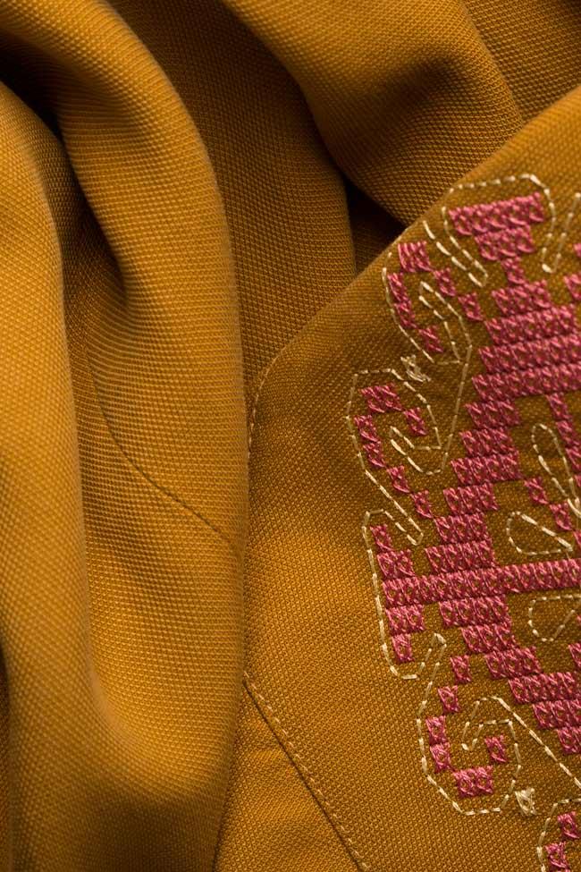 Robe brodée en coton Maressia image 4